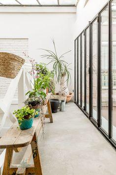 Un loft de estilo rústico renovado a las afueras de París (+get the look) · A rustic chic loft in the outskirts of Paris