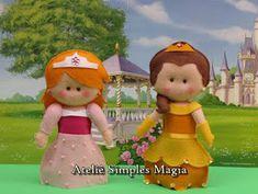 E finalmente as princesas.  Fiz sete princesinhas em feltro: Ariel, Cinderela, Aurora, Rapunzel, Tiana, Bela e a Branca de Neve.        Ari...