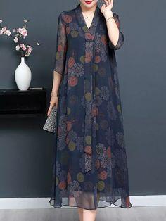 Vintage Print Sleeve V-neck Tie Elegant Dresses is high-quality, see other cheap summer dresses on NewChic Mobile. Abaya Fashion, Muslim Fashion, Fashion Dresses, Elegant Dresses, Women's Dresses, Casual Dresses, Vintage Dresses, Dance Dresses, Formal Dresses