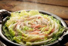 ひと玉使い切り!この冬食べたい「白菜の大量消費レシピ」アイディア集(kufura) - Yahoo!ニュース Cabbage, Vegetables, Recipes, Food, Recipies, Essen, Cabbages, Vegetable Recipes, Meals