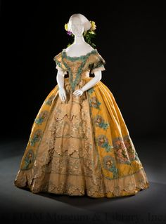 1852 ball gown  Historical fashion and costume design.