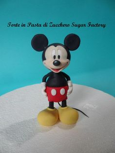 Mickey Mouse tutorial by Torte in Pasta di Zucchero Sugar Factory