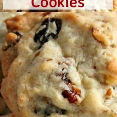 Delicious easy cookies perfect with a glass of milk or cup of tea! Also great for gifts! Very flexible recipe so you can swap the raisins and pecans for other fruits and nuts! Banana Bread Cookies, Raisin Cookies, Ginger Cookies, Cookies Et Biscuits, Drop Cookie Recipes, Cookie Flavors, Baking Tins, Baking Recipes, Baking Soda
