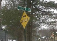 22 Funny Examples of Irony. These Ironic Photos Are Hilarious! Oh The Irony, Funny Road Signs, Funny Street Signs, False Advertising, College Humor, Good Jokes, Sign Language, Signage, Funny Pictures