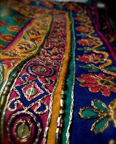 Folk Embroidery Ideas 25 best ideas about indian embroidery on Kurti Embroidery Design, Hand Work Embroidery, Folk Embroidery, Hand Embroidery Designs, Beaded Embroidery, Embroidery Stitches, Embroidery Patterns, Machine Embroidery, Couture Embroidery