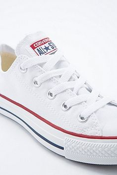 Converse Chuck Taylor Low Trainers in White - Urban Outfitters Converse  Chuck Taylor 5d9de31fc