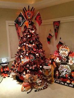 Who dey.  Extreme Bengals Christmas tree. I will have a tree like this one day I don't care if my husband is not a Bengals fan this will happen!