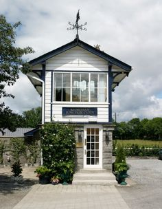 Top Wedding Venues in Meath - From Exclusive Manor House Estates to Hotels and Castles - Wedding Dress Outdoor Wedding Venues, Outdoor Ceremony, Vintage Bridesmaid Dresses, Wedding Dresses, Purple Wedding Bouquets, Rustic Wedding Signs, Bridal Suite, Rustic Outdoor, Gifts For Wedding Party