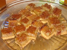 Discover recipes, home ideas, style inspiration and other ideas to try. Dessert Buffet, Dessert Bars, Frozen Strawberry Desserts, Easy Desserts, Dessert Recipes, Cooking Oatmeal, Desserts With Biscuits, Holiday Recipes, Food And Drink
