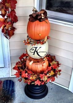 home decor front doors By Kelea's Floral Design School Home decor Front door decor Farmhouse Fall Decor. By Kelea's Floral Design School Home decor Front door decor Farmhouse Fall Decor Pumpkins Decorating Ideas Fall Topiaries, Pumpkin Topiary, Entree Halloween, Fall Halloween, Halloween Porch, Floral Design School, Diy Gardening, Pumpkin Decorating, Decorating Ideas