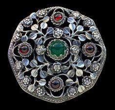BERNARD INSTONE 1891-1987 Attrib. Arts & Crafts Floral Brooch Silver Chalcedony Garnet