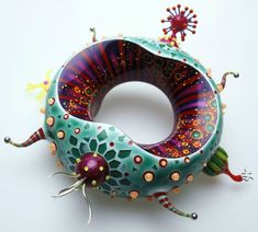 Peter Chang, 2004 - Bracelet - Acrylic, polyester, PVC and silver. Polymer Clay Art, Polymer Clay Jewelry, Jewelry Art, Jewelry Design, Crea Fimo, Funeral Arrangements, Mixed Media Jewelry, Body Adornment, Clay Design