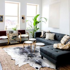 glam decor, featuring a good example of layered rugs (natural jute beneath. - Urban -Urban glam decor, featuring a good example of layered rugs (natural jute beneath. Rugs In Living Room, Home And Living, Living Room Designs, Living Spaces, Modern Living, Minimalist Living, Modern Minimalist, Small Living, Living Area