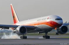 Boeing 777, Boeing Aircraft, Wright Brothers, Civil Aviation, Military Aircraft, Vehicles, Spacecraft, Airplanes, Landing
