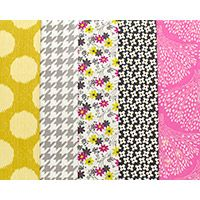 Spring Fling - Fat Quarter Bundle. All the planets have aligned and it's time for a Spring Fling! Throw open your windows and just breath in that wonderful smell of new growth. Having hibernated all winter, huddling in our thick coats it's time to strip off and dance barefoot through the daisies.