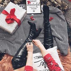 """699 aprecieri, 96 comentarii - Daniela Macsim (@danielamacsim) pe Instagram: """"@lungucristina_ este castigatoarea concursului #MyOwnSanta organizat de mine si @ilpasso_shoes.…"""""""