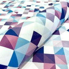 Tkanina obiciowa Cube 2 w kategorii Wzorzyste / TKANINY OBICIOWE Miękka, welurowa tkanina obiciowa w kolorowy wzór, który tworzą małe kolorowe trójkąty.  Szerokość: 140 cm  Skład: 100% poliester  Cena za 1 mb tkaniny