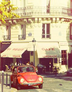 September on the streets of Paris. I'm sure the coffee is much tastier here!