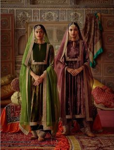 2019 Sabyasachi Charbagh Bridal Lehenga collection has a bunch of traditional red wedding lehengas, some gorgeous destination wedding outfits + lots more. Velvet Pakistani Dress, Pakistani Dress Design, Pakistani Dresses, Indian Dresses, Sabyasachi Suits, Sabyasachi Bride, Churidar, Anarkali, Velvet Dress Designs