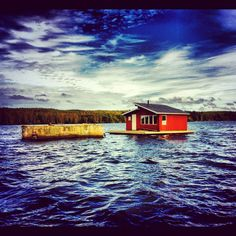 Raft with a sauna @umeälven in Umeå Sweden Bastu flotte Bastuflotte