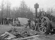 Letonika.lv. Multivide - Vēstures enciklopēdijas attēli. Pusdienas pārtraukums zāģētavā