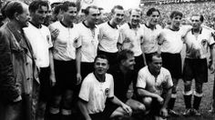 Bern, 4.7.1954. Sport, Football, National Team, Historic  1954 World Cup Switzerland  Final: Germany - Hungary 3:2  The World Champions: Coach Sepp Herberger and the German National Team