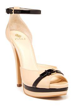 Nude heels //