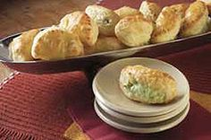 Creamy Stuffed Pastry Bites recipe Appetizer Recipes, Snack Recipes, Appetizers, Cheese Recipes, Easy Recipes, Easy Meal Prep, Easy Meals, Frozen Puff Pastry, Good Food