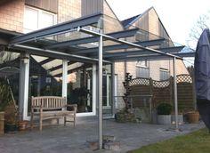 #Terrassenüberdachung mit #Glasdach und #Unterglas-Markise. Was gibt es schöneres als auf der Terrasse bei einer Tasse Kaffee den Feierabend oder die freien Tage des Wochenendes zu genießen.