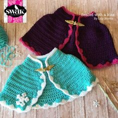 Custom order with the colors from Elsa ;) I love the two versions! You can purchase the pattern or the finished item l! Crochet Princess, Baby Girl Crochet, Crochet Baby Clothes, Crochet For Kids, Princess Anna, Frozen Crochet, Crochet Disney, Crochet Cape, Knit Crochet