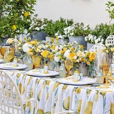 Beautiful! love the yellow and amber goblets together!