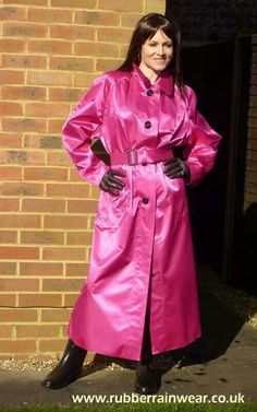 A lovely rubberlined satin mac Red Raincoat, Raincoats For Women, Outerwear Women, Patent Trench Coats, Rain Fashion, Latex Fashion, Women's Fashion, Rain Mac, Dominatrix