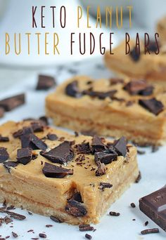 Pack these super tasty #keto Peanut Butter Fudge Bars in lunchboxes to take to work or school! Shared via http://www.ruled.me/