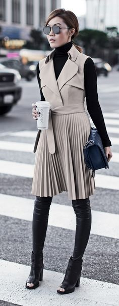 Perfectly cool work outfit for women style tips (61) - Fashionetter