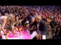 Sophia Grace and Rosie accept 2012 Teen Choice Awards with Ellen DeGeneres