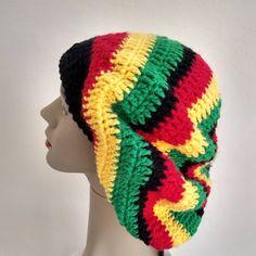 Boina de crochê com fio de lã. Really Sorry, Wool Yarn, Embroidered Cushions, Vest Coat, Beanies, Berets, Boleros