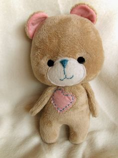 NimblePhish: DIY Sweetie Bear, Part 1 (free tutorial)- Fofo Teddy Bear Sewing Pattern, Softie Pattern, Free Pattern, Sewing Toys, Baby Sewing, Baby Toys, Kids Toys, How To Make Toys, Fabric Toys