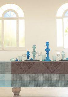 Le Jacquard Francais Bosphore Tablecloth Nutmeg, Cielo Santa Fe