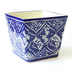 3 Ways to Chase Away Winter Blues with Ceramic Flower Pots #blueandwhite #pottery