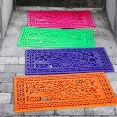 Spray paint rubber mat
