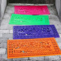 Spray paint rubber mat