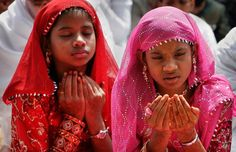 World traditional Attires | Indian Muslim girls sport traditional attire as they join Eid-al-Fitr ...