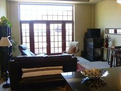 Manitou Springs, CO. Vacation Rental - www.VRBO.com/305702 - 1 BR, Spacious Loft--Historic Manitou Spa Building-Center of Manitou Springs w/ attached parking garage!