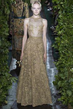 Défilé haute couture automne-hiver 2014-2015, Valentino #mode #fashion #couture