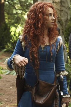 @Zap2it: Want a new look at Merida? #OUAT provides. Here's Amy Manson in Season 5. @OnceABC
