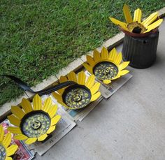 Something to do with those black plastic nursery pots! - JUNKMARKET Style