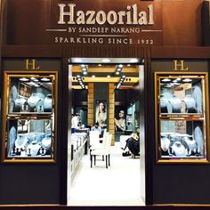 Day3 #HazoorilalBySandeepNarang at Dubai International Jewellery Week Hall#5 INDIA PAVILION Booth no C5-30  #HazoorilalEvents #Dubai #DIJW2016 #Diamonds #ColouredStones #Emeralds #BridalJewellery #ItcMaurya #DlfEmporio #HazoorilalJewellers #Hazoorilal
