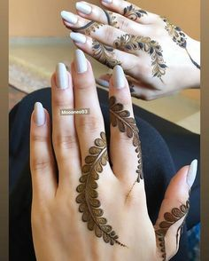 Mehndi henna designs are always searchable by Pakistani women and girls. Women, girls and also kids apply henna on their hands, feet and also on neck to look more gorgeous and traditional. Henna Tattoo Designs Simple, Finger Henna Designs, Henna Art Designs, Mehndi Designs 2018, Mehndi Designs For Girls, Mehndi Designs For Beginners, Modern Mehndi Designs, Dulhan Mehndi Designs, Mehndi Designs For Fingers