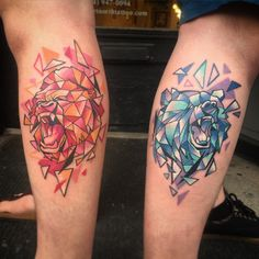 J twin tats! Twin brothers with opposing geometric aminals! (Left is very fresh… Mais