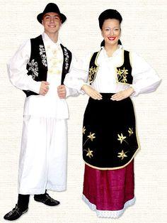 Serbian folk costimes.Народна ношња из Баната